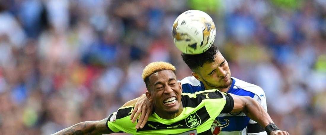 El Reading perdió la oportunidad de ascender a la Premier ante el Huddersfield. AFP