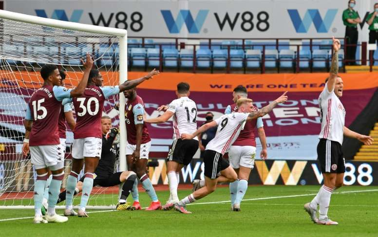 El Aston Villa fue el cuarto que más invirtió en fichajes y está en la zona roja. AFP