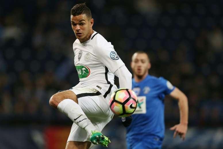 Paris Saint-Germains forward Hatem Ben Arfa controls the ball