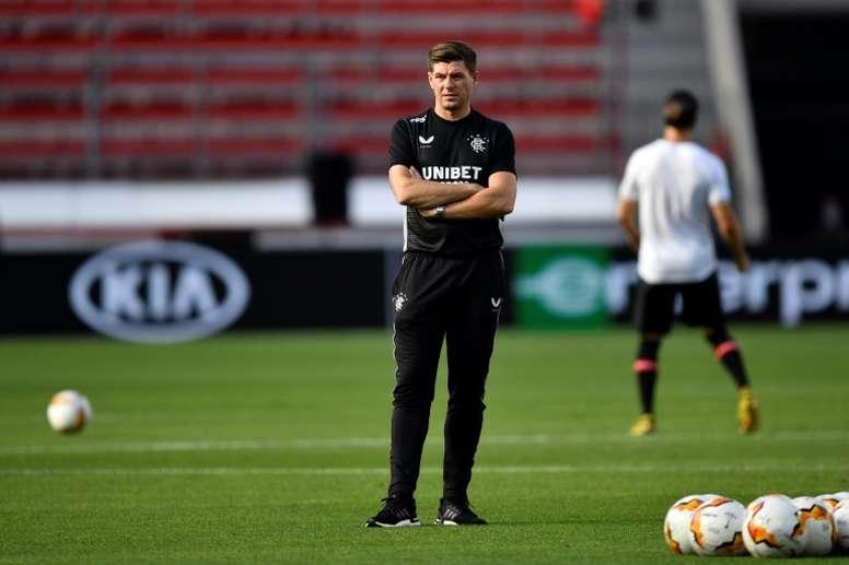Gerrard pidió fútbol gratis en la tele por el confinamiento. AFP
