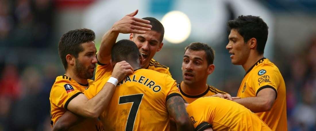 O Wolves garantiu este domingo a presença nos quartos de final da FA Cup. AFP