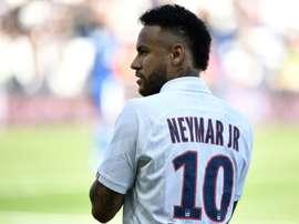 Dirigente revelou que a contratação de Neymar foi um pedido do técnico. AFP