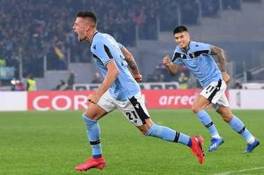 Milinkovic-Savic (L) gave Lazio a massive win over Inter Milan in Serie A. AFP