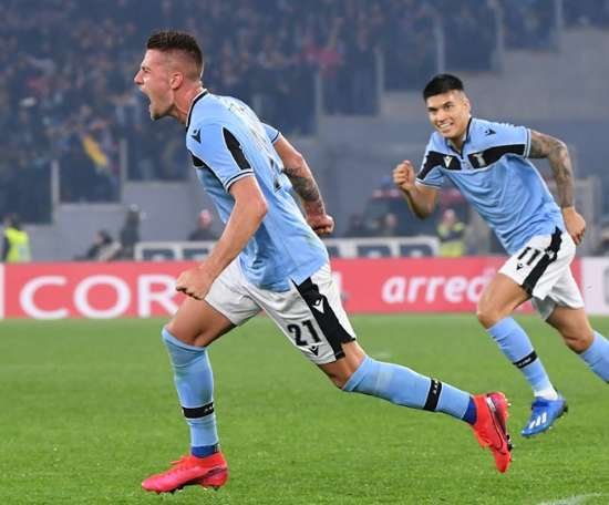 Milinkovic-Savic fica na Lazio. AFP