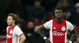 A Eredivisie pode cancelar a temporada e aumentar o número de equipes. AFP
