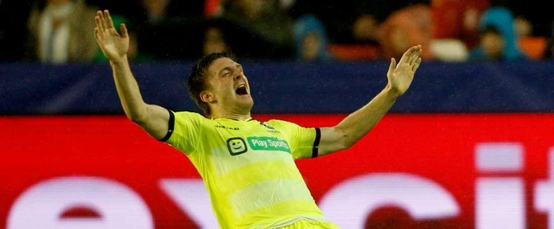 Thomas Foket podría jugar en el Nápoles la próxima temporada. AFP/Archivo