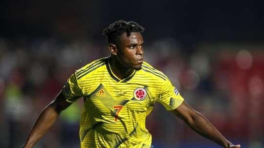 Colombia, a cuartos por la vía rápida. AFP