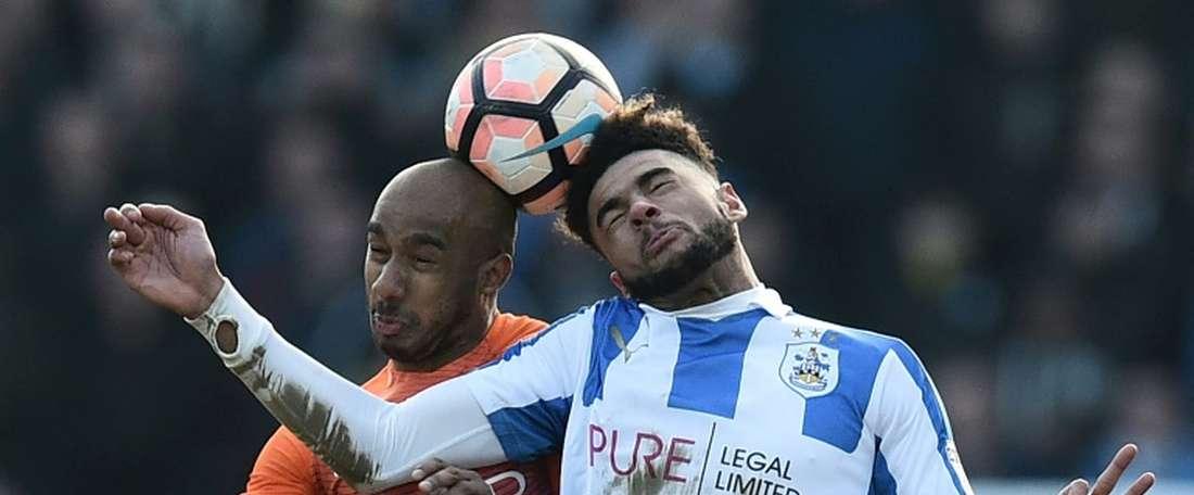 Le joueur d'Huddersfield est excellent en jeu aérien. AFP