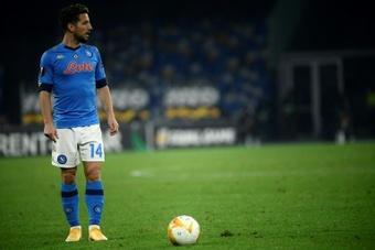 Mertens quiere continuar en el Nápoles. AFP