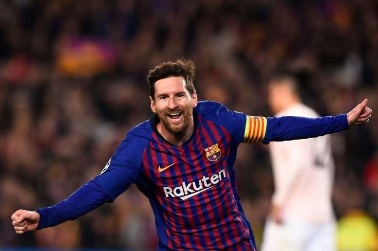 Messi hails Barca demolition of United, but laments slow start