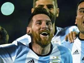 Os argentinos celebram depois do triunfo sobre o Ecuador. AFP