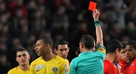 Mbappé compareció para defenderse tras su expulsión. AFP