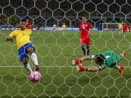 A derrota de ontem por 3-0, diante do Brasil, também não ajudou... AFP