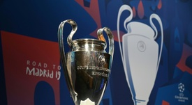 Los aficionados piden a la UEFA que intervenga en el precio de las entradas. AFP