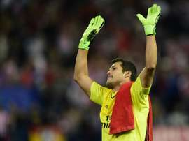 Benfica goalkeeper Julio Cesarwill stay with the club for a further two seasons. BeSoccer