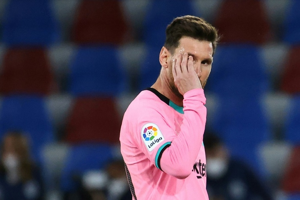 Leo Messi is expected to finalise his renewal after the holidays. AFP