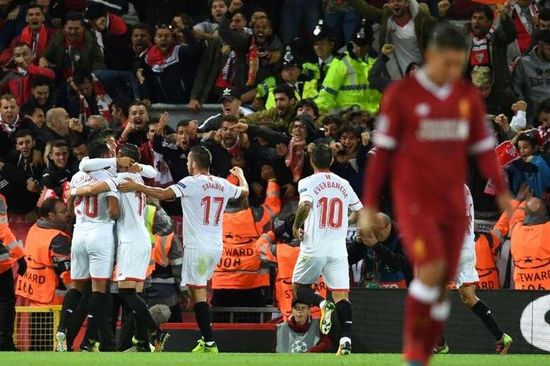 La joie des joueurs du Séville FC après l'égalisation signée Joaquin Correa contre Liverpool. AFP