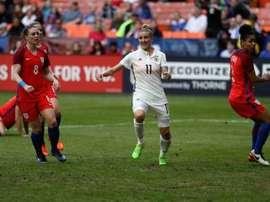 Anja Mittag en joie après avoir inscrit un but face à lAngleterre lors de la SheBelieves Cup. AFP