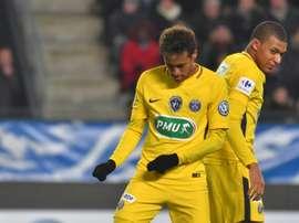 Rennes não deixou Neymar sem resposta. AFP