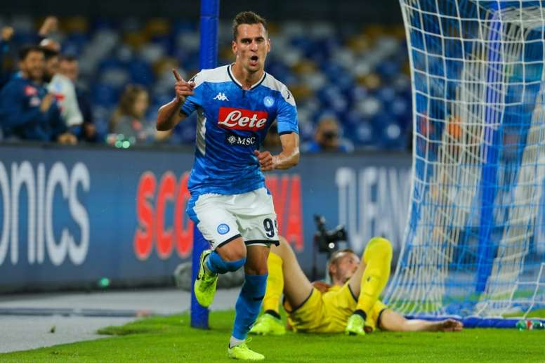 Schalke are willing to pay up to 25 million for Milik. AFP