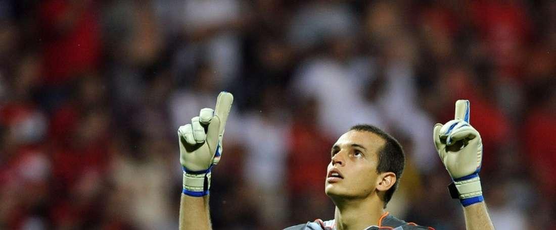 Los ultras del Spartak de Moscú discriminaron racialmente de Guilherme. AFP
