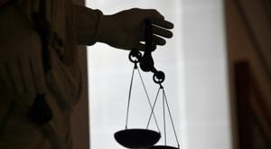 Le juge est dessaisi du dossier. AFP