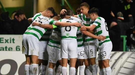 El Celtic cedió a dos de sus jugadores. AFP