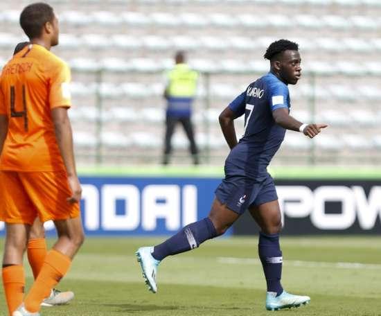 Kalimuendo-Muinga offre le bronze à la France. AFP