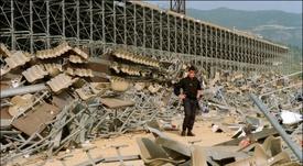 Vue générale de la tribune qui s'était effondrée la veille de la demi-finale de Coupe de France. AFP