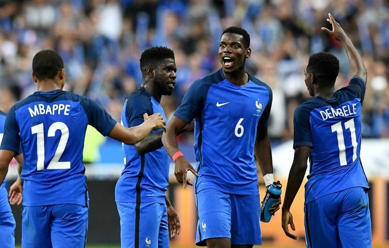Les Bleus avec un trio Dembélé-Mbappé-Martial en attaque — Russie-France