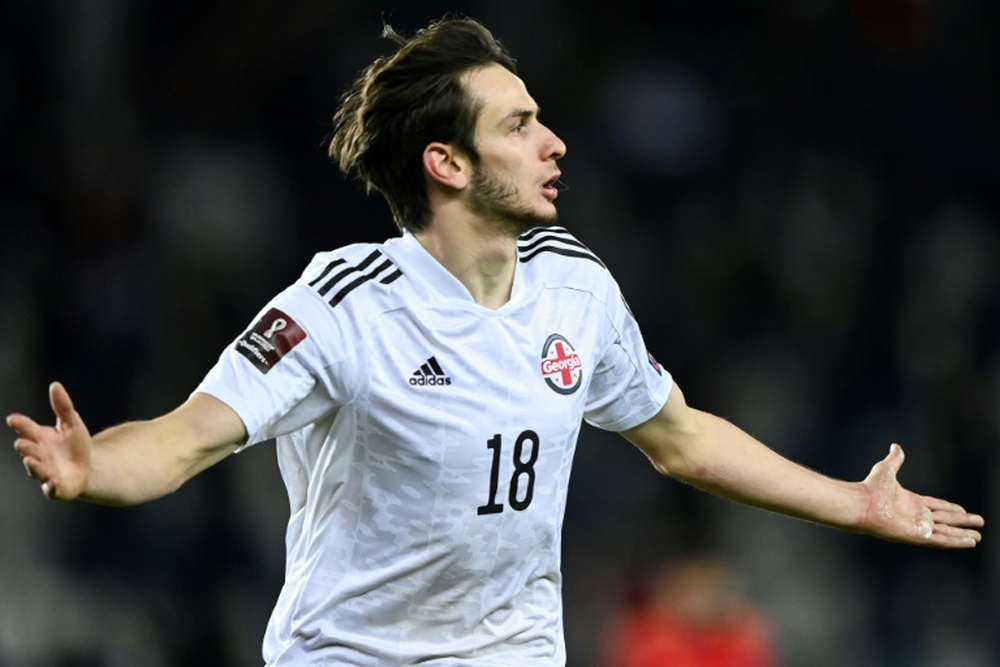 Khvicha Kvaratskhelia es uno de los futbolistas que seguir de cerca. AFP