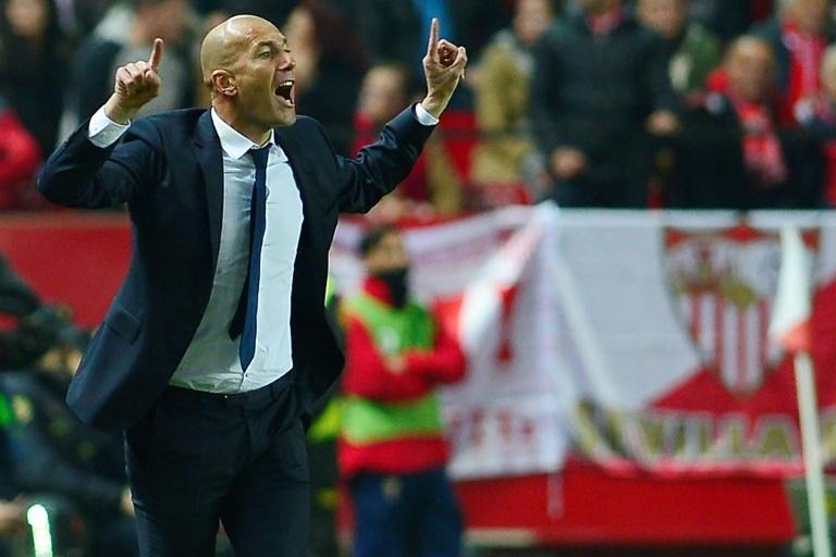 Sevilla golea 3-0 a Real Madrid