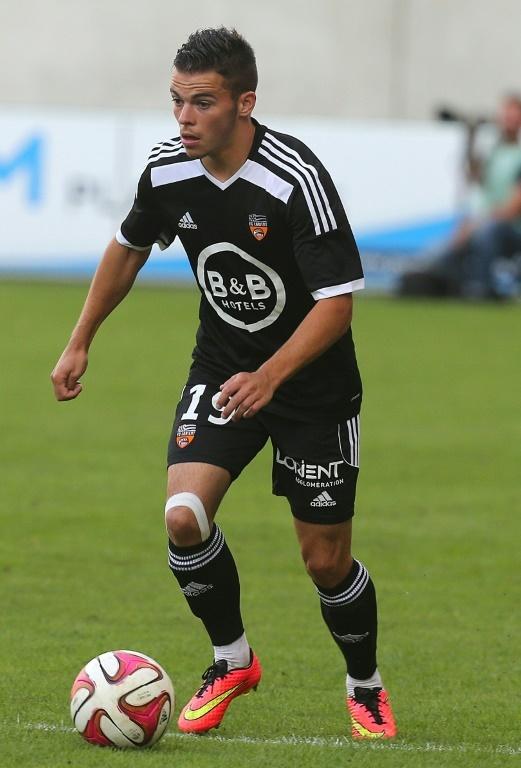 d5bb8f35fb55 Pin Le milieu offensif Bryan Pelé, alors sous le maillot de Lorient, le 2  août