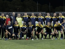 Une équipe des légendes du foot pose avant un match de gala organisé à Amman. AFP