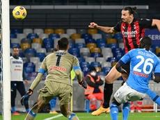 Milan, forte tête, gagne à Naples avec un doublé d'Ibrahimovic. afp
