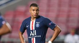 A Federação Francesa de Futebol acaba de anunciar que Mbappé está com COVID-19. AFP