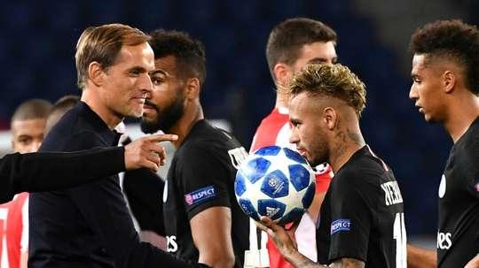 O primeiro contato de Leonardo com Tuchel e Neymar. AFP