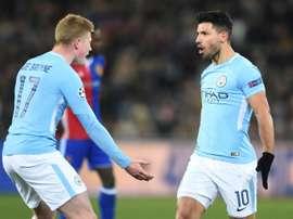 Sergio Agüero et Kevin De Bruyne lors d'un match de Manchester City. AFP