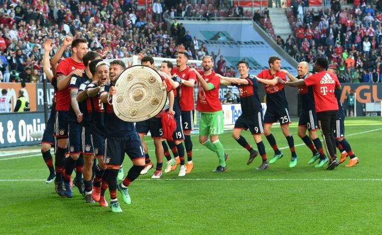 Batshuayi blessé par Stambouli — Dortmund