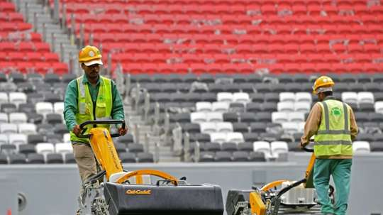 Les organisateurs du Mondial 2022 vont supprimer des emplois. AFP