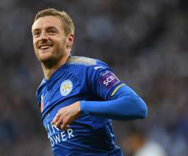 O Leicester recebeu e venceu o Everton por 2-0 no primeiro jogo de Claude Puel. AFP
