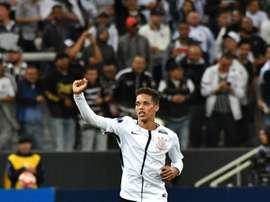 Pedrinho pode trocar o Brasileirão por LaLiga. AFP