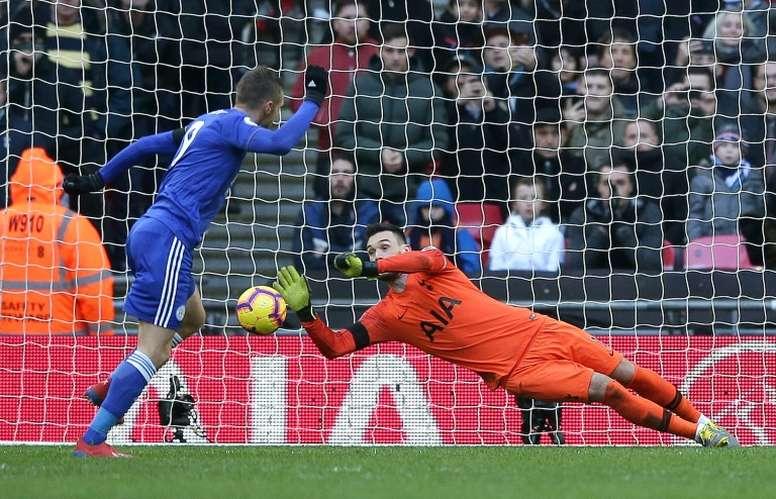 Hugo Lloris évite un but lors du match face à Leicester. AFP