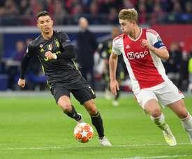 Cristiano Ronaldo e De Ligt são os melhores marcadores de cabeça da Champions. AFP