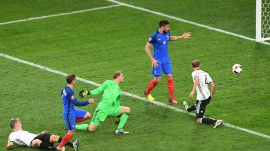 Francia terminó con Alemania en la Eurocopa de 2016. AFP