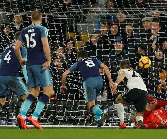Winks salva o Tottenham aos 93'. AFP