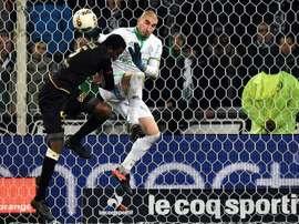 El conjunto holandés estaría interesado en fichar al zaguero del Mónaco. AFP