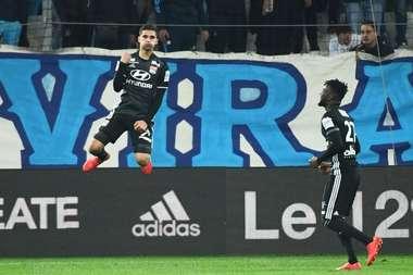 Aouar disputó 44 partidos la pasada temporada con 19 años. AFP