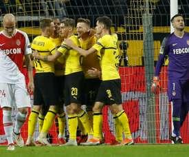 El Borussia Dortmund se llevó la victoria por 2-0 contra el Mónaco. AFP