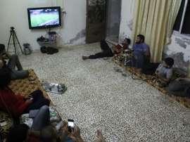 Les supporters syriens réunis autour du match entre le Portugal et la Hongrie. AFP